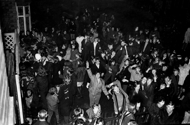 fans-congregate-outside-the-home-of-singer-davy-jones-in-clumber-road-gorton-manchester-davy-jones-died-29-2-2012-1673476a-1500